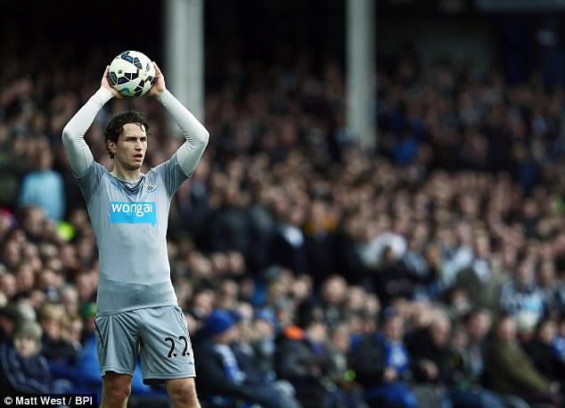 Daryl Janmaat Willing To Play Anywhere For Newcastle As The Full
