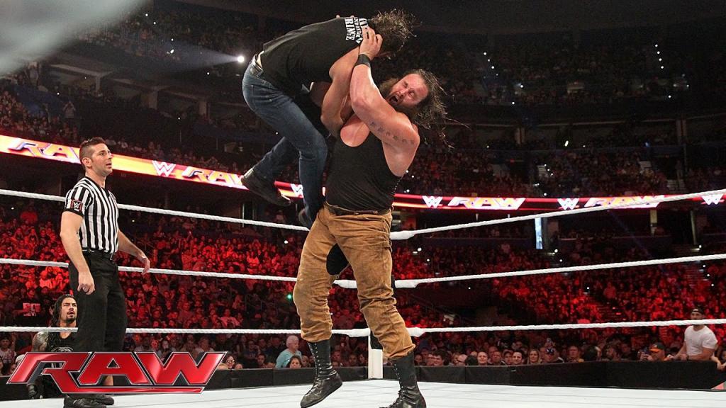 Dean Ambrose Vs. Braun Strowman: Raw, Aug. 31, 2015 - YouTube