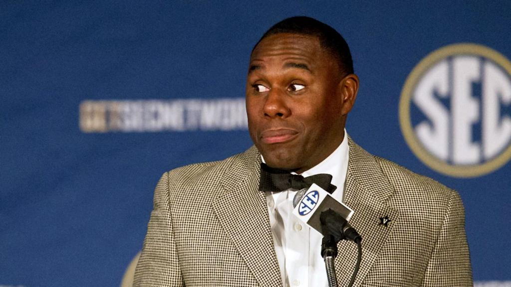 Derek Mason Looks Good With Anchor Lining In His Ge Wang Suit   FOX