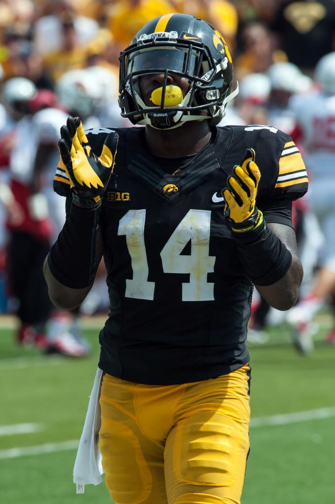 Desmond King Of Iowa Always Fired Up To Play Tyler Boyd And Pitt