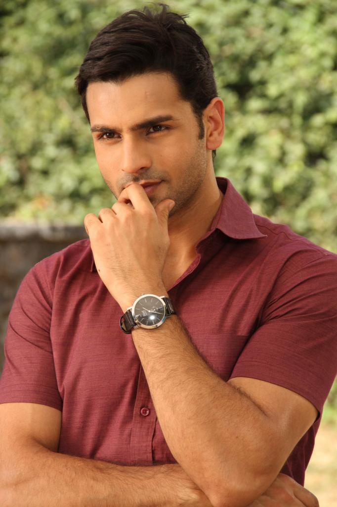 Divyanka Tripathi Is The Tulsi Of Today!        Vivek Dahiya   UrbanAsian