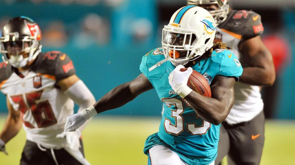 Dolphins' Jay Ajayi Hasn't Had 'any Issues' With Knee Since 2011