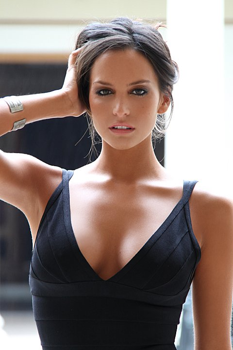 Genesis Rodriguez photos and wallpapers