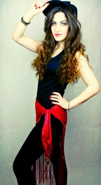 Elif-Khan(Dancer)