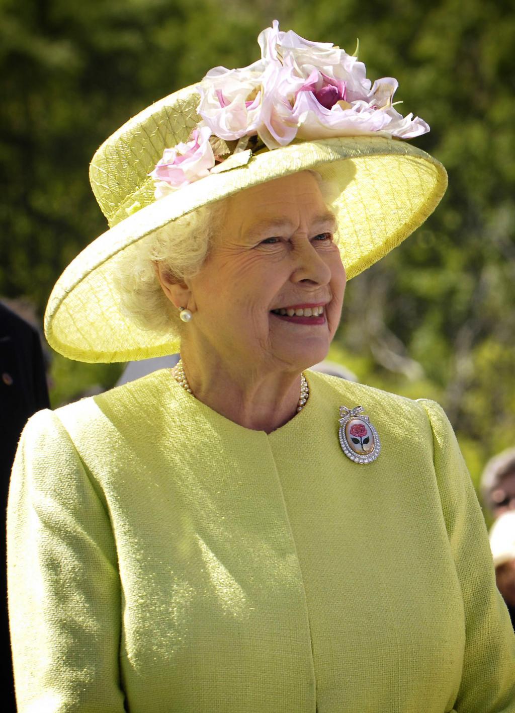 Elizabeth II - Wikipedia, The Free Encyclopedia