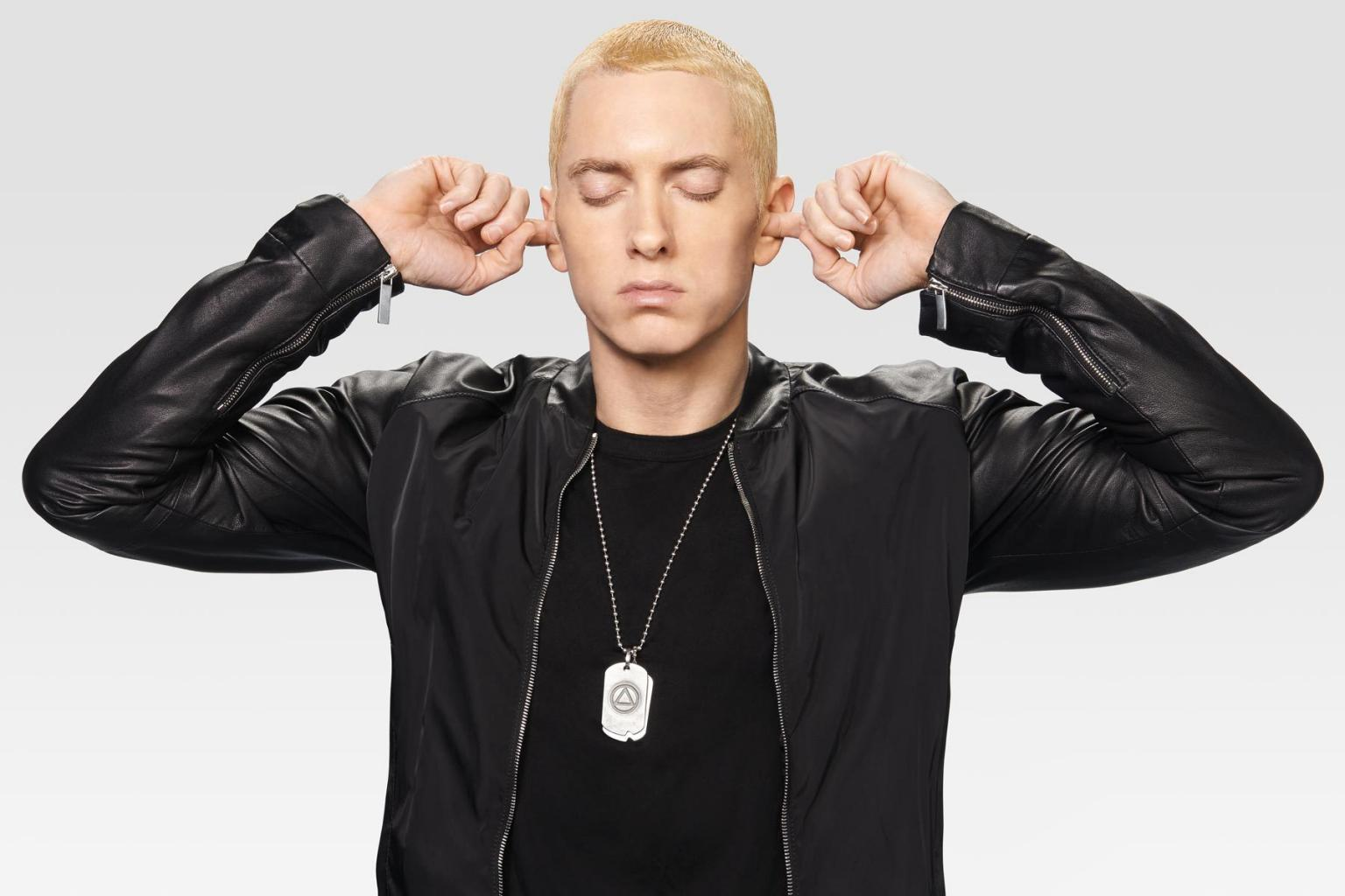 Eminem Says The Internet Makes Him Want To Kill Himself