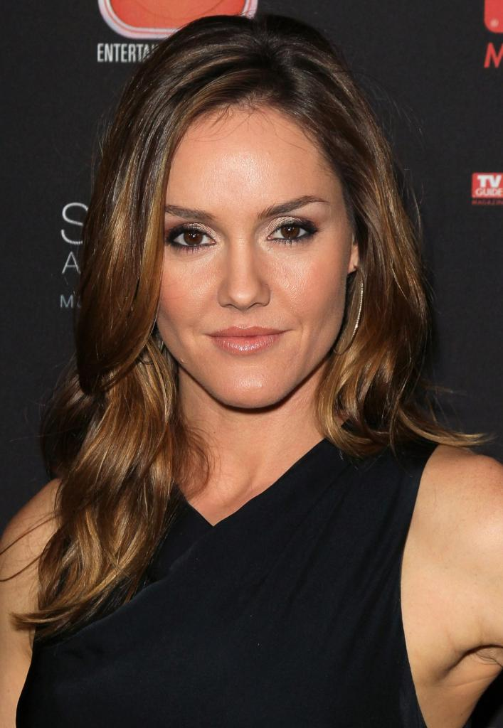 Erinn Hayes - IMDb