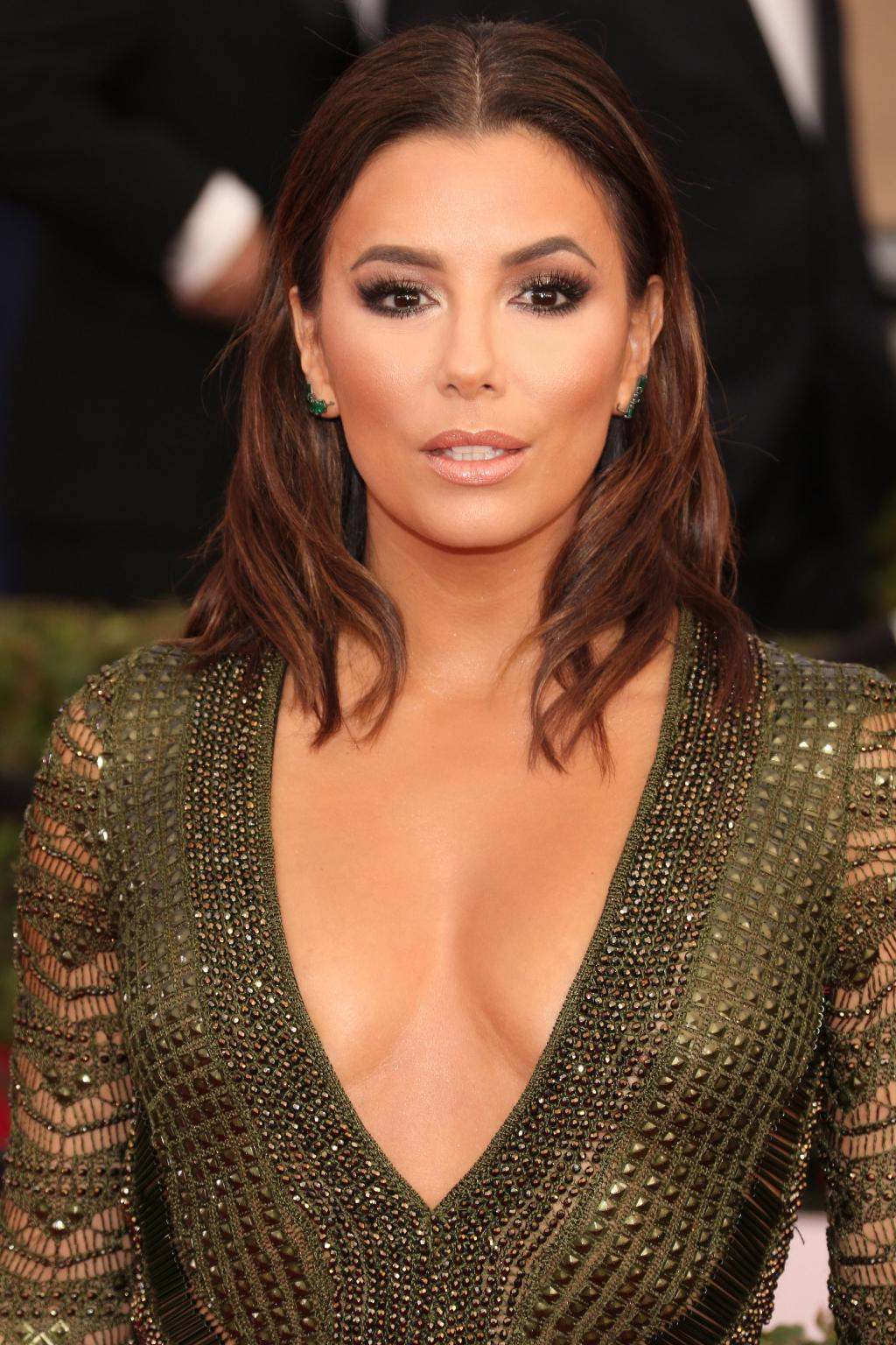Eva Longoria   See Every Breathtaking Beauty Look From The 2016 SAG