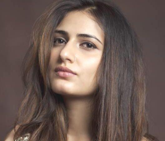Fatima Sana Shaikh (Actress) Height, Weight, Age, Biography, Affairs