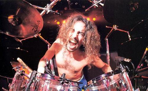 Former Megadeth Drummer Nick Menza Still Rules At Drums - GearGods
