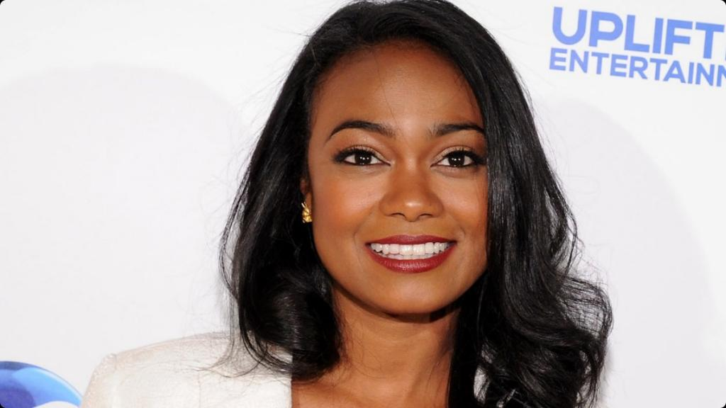 Fresh Prince Of Bel Air's Tatyana Ali: Engaged And Pregnant