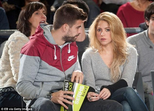 Gerard Pique And Shakira Watch A Basketball Game   Daily Mail Online