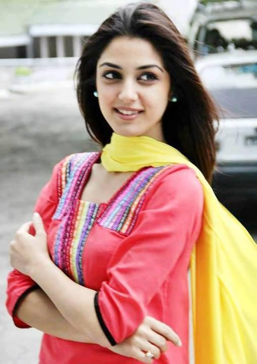 Gorgeous Maya Ali Latest Wallpapers
