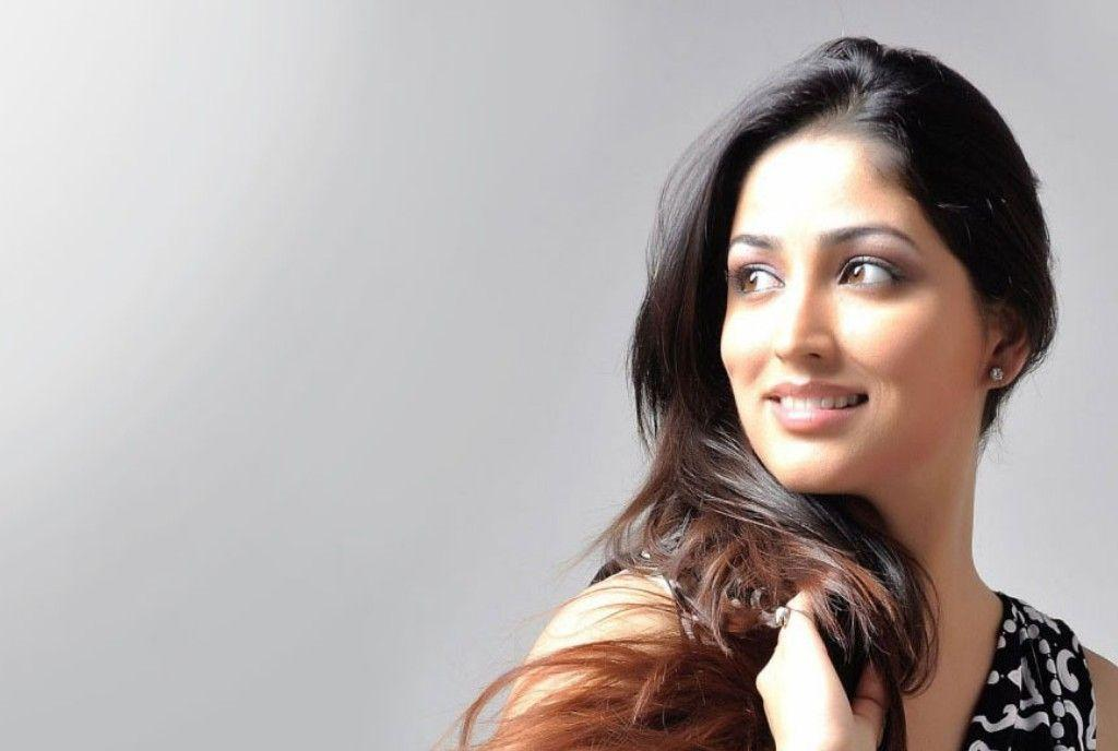 Gorgeous Yami Gautam Latest HD Walpapers New Photos Free Images Download