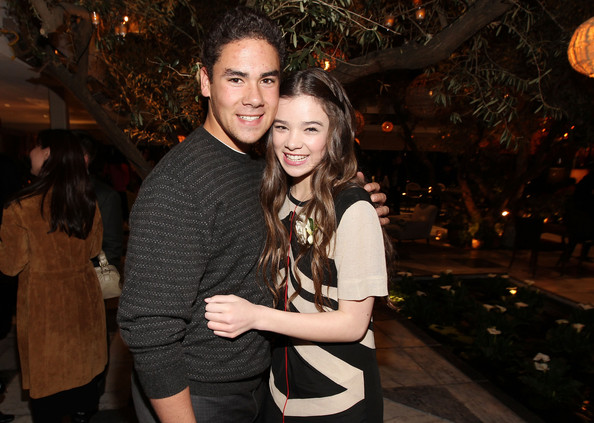 Hailee Steinfeld Griffin Steinfeld Pictures, Photos & Images - Zimbio
