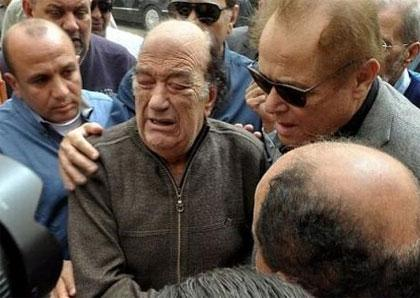 Hassan Hosny Says Goodbye To His Daughter - Waleg