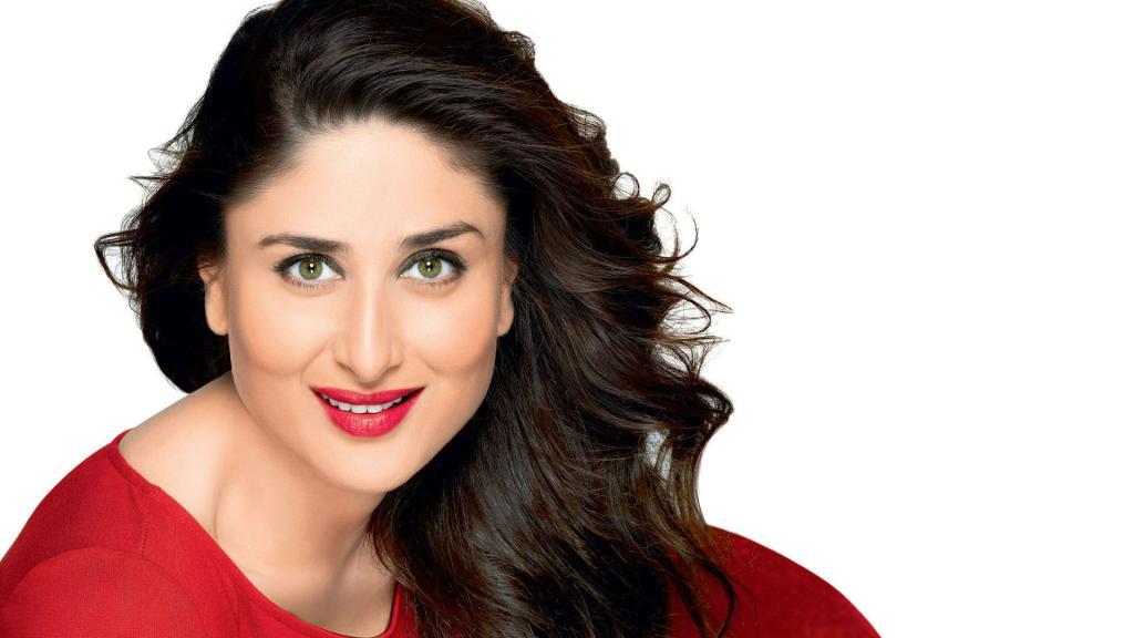 Here's The Secret Behind Kareena Kapoor's Glowing Skin