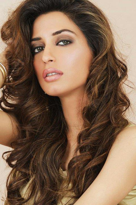 Iman Ali Height, Weight, Age, Body Measurement, Bra Size, Sister