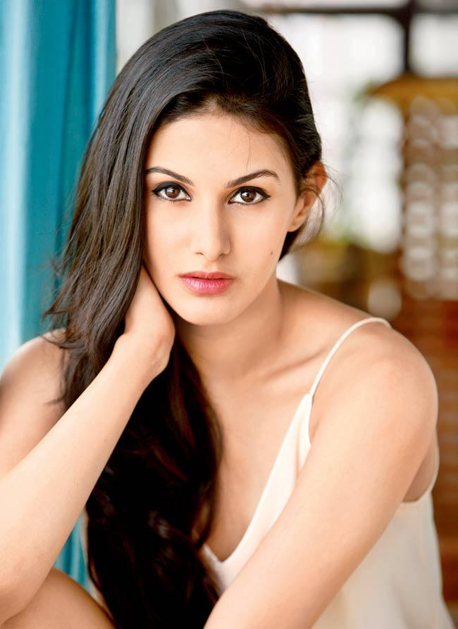 Interesting Amyra Dastur Facts About The Kung Fu Yoga Star