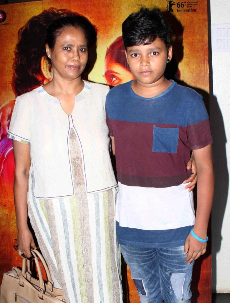 Irrfan Khan With Wife Sutapa Sikdar And Sons Babil & Ayaan At