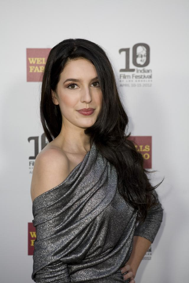 Isabella Turcotte - Not Kaif   3617498   Bollywood News, Bollywood