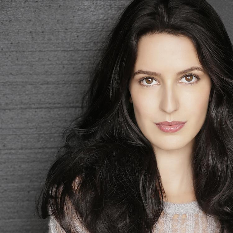 Isabelle Kaif To Be Honoured At Miss India-Canada 2014 In Toronto