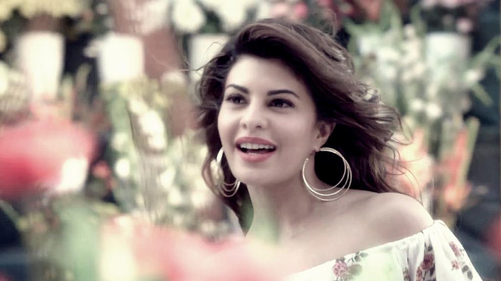 Jacqueline Fernandez Beautiful HD Wallpapers