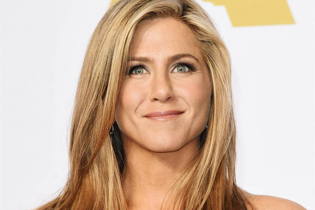 Jennifer Aniston Hates Flying Coach In New TV Ad Ripping U.S.