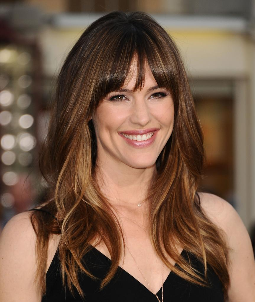 Jennifer Garner Gets Candid About Her Post-Baby Body     And Offers