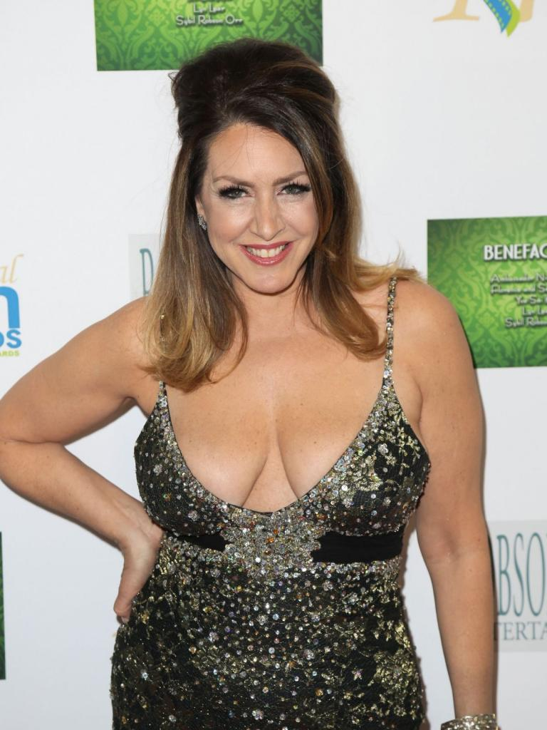 Joely Fisher Archives - HawtCelebs - HawtCelebs