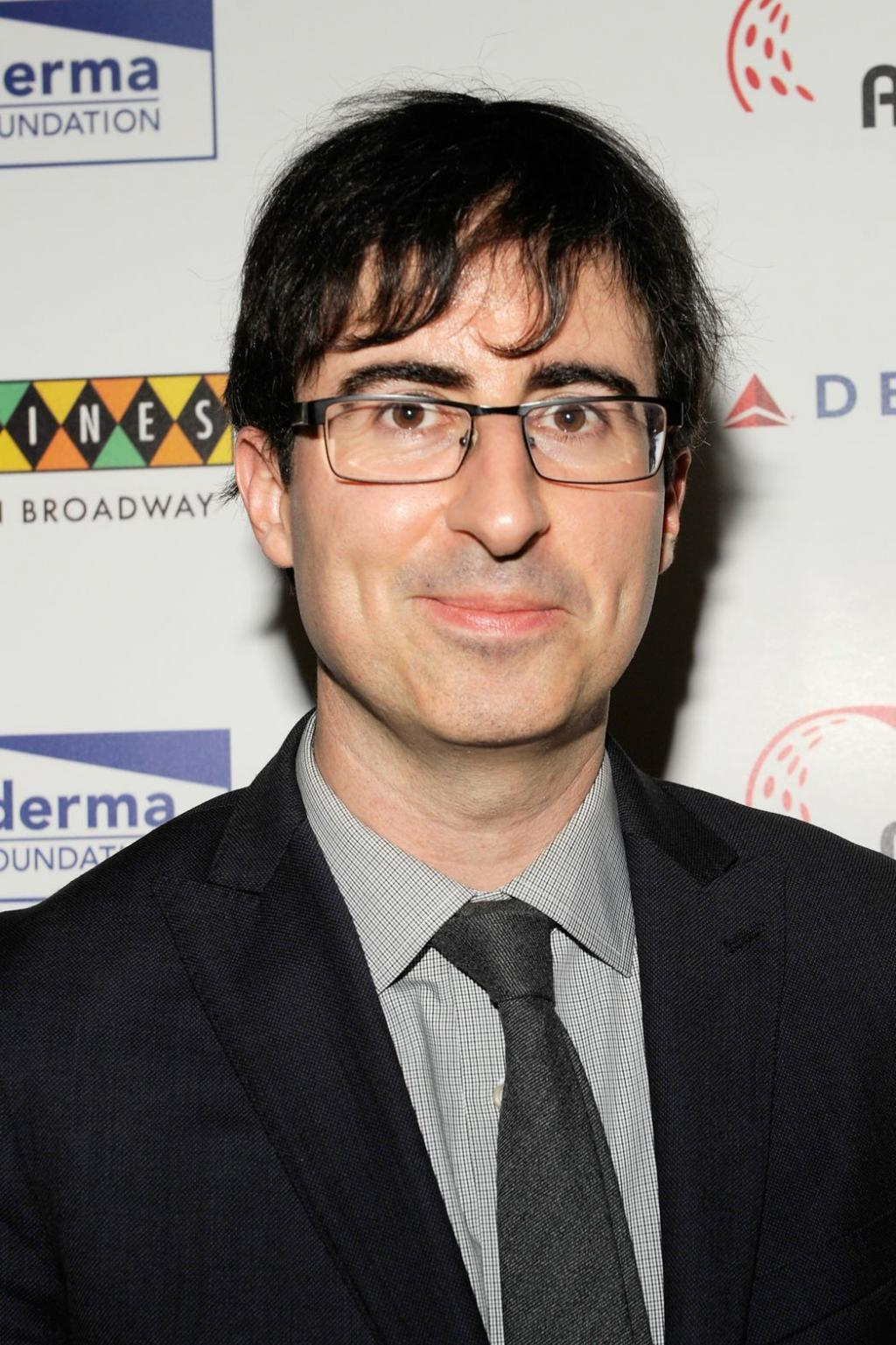 John Oliver To Perform At Beacon Theatre, 1/30