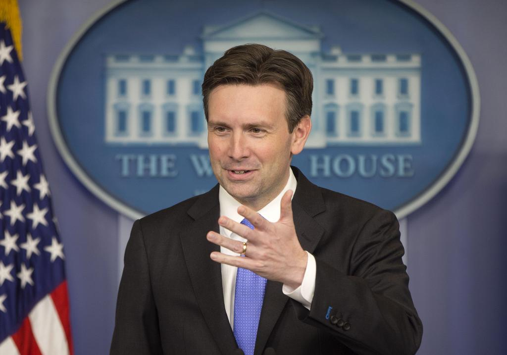Josh Earnest Forced To Handle Questions From Former White House