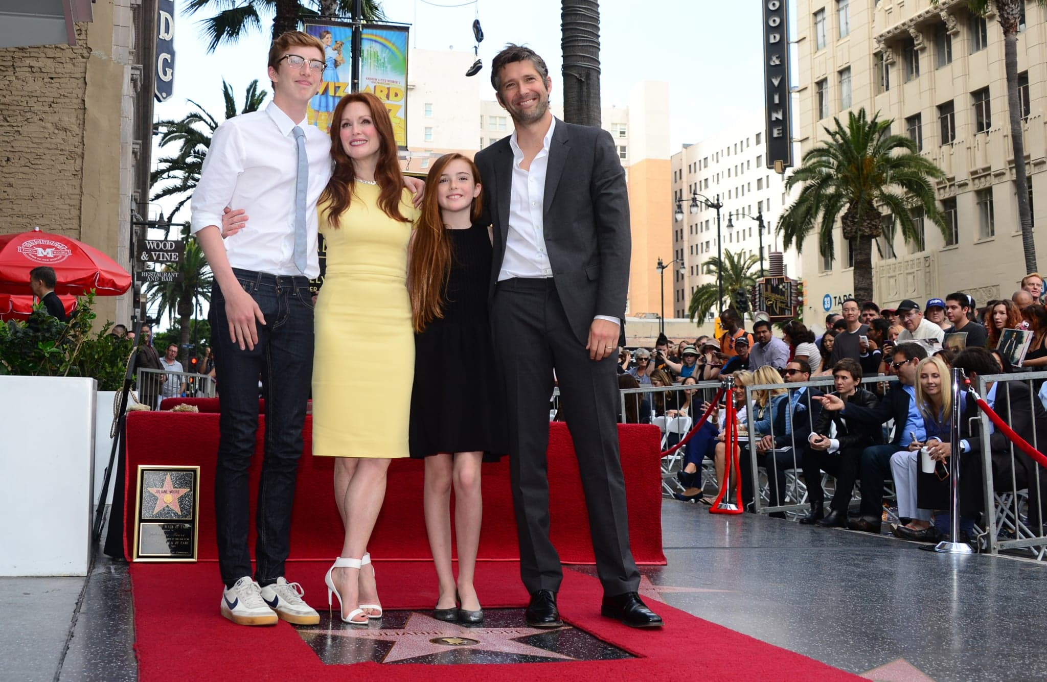 Julianne Moore And Her Family, Bart, Caleb, And Liv Freundlich