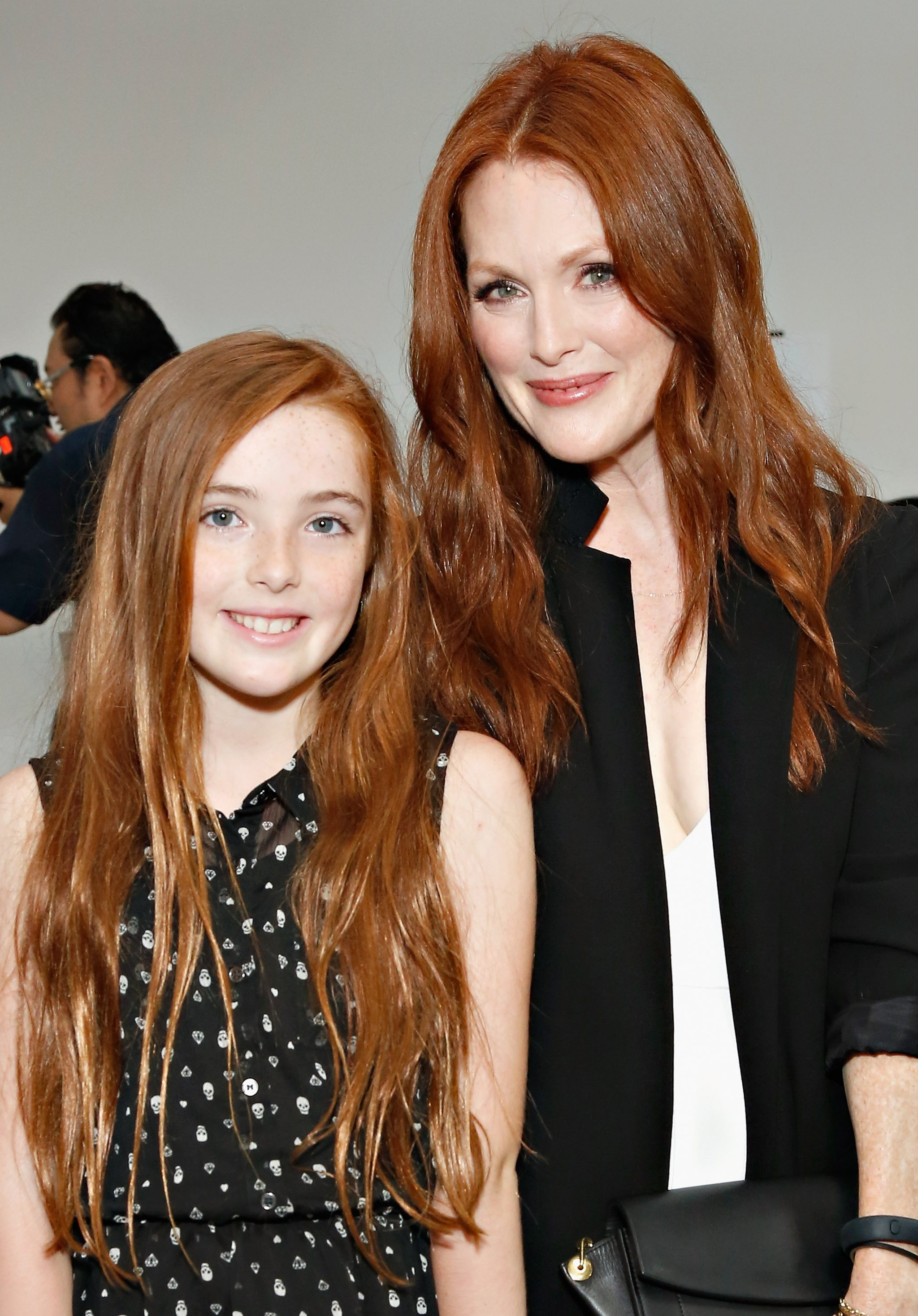 Julianne Moore And Liv Freundlich   Double Take! Meet Hollywood's
