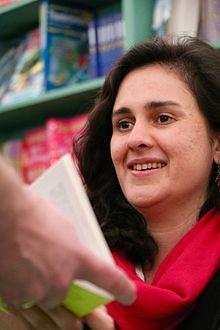 Kamila Shamsie - Wikipedia