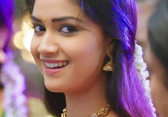 Keerthy Suresh Age, Height, Weight, Affairs, Wiki & Facts