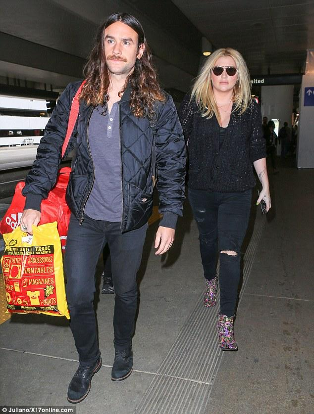 Kesha And Brad Ashenfelter Model Bedhead As They Leave LA   Daily