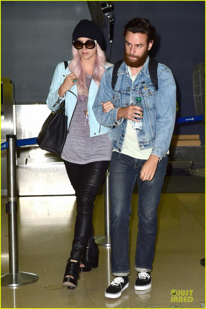 Kesha & Boyfriend Brad Ashenfelter Are Completely Inseparable At