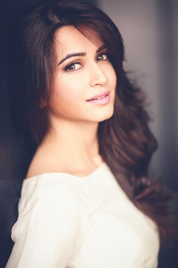 Kriti Kharbanda Images - Reverse Search