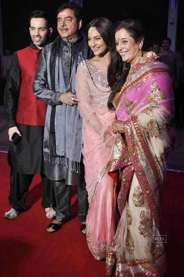 Kush Sinha's Wedding Reception Photos - Mumbai - Events - Navbharat