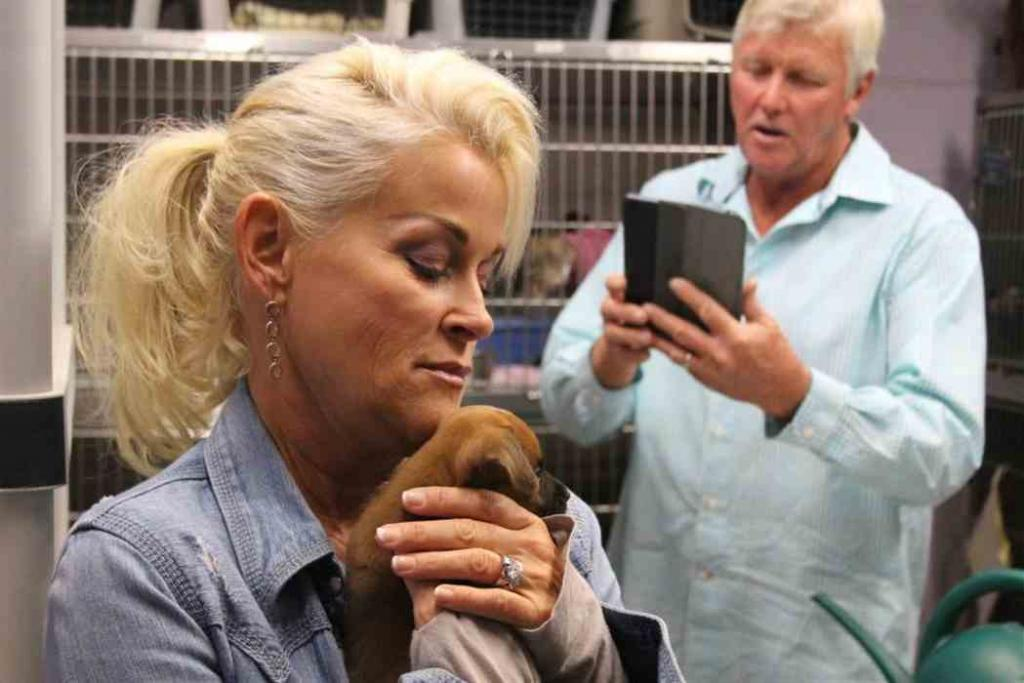 Lebanon Democrat: Country Star Partners With New Leash On Life