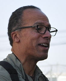 Lester Holt - Wikipedia, The Free Encyclopedia