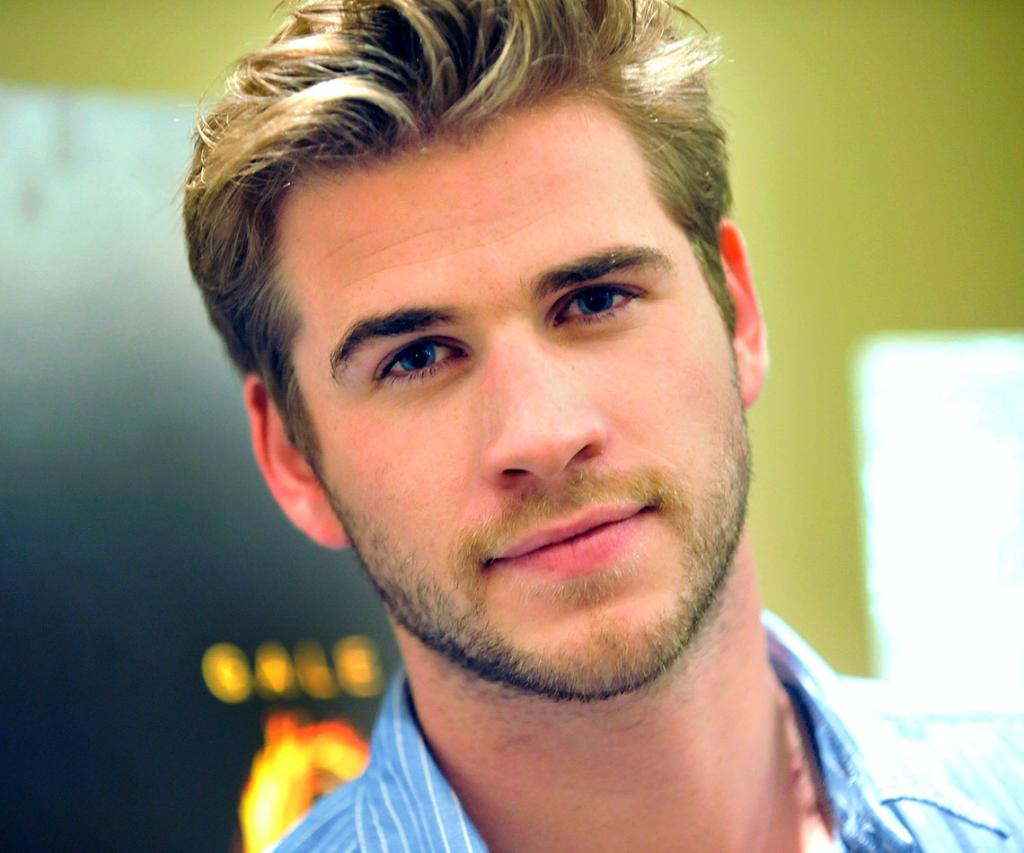 Liam Hemsworth's Hottest Moments   Woman's Day