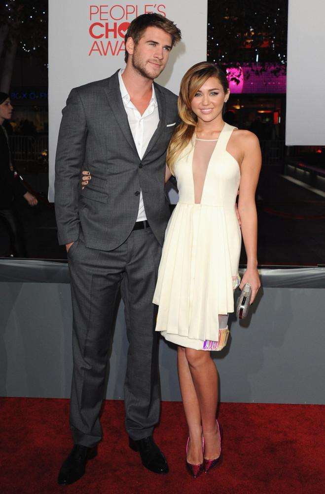 Liam Hemsworth And Miley Cyrus' Last Song: The Complete Guide