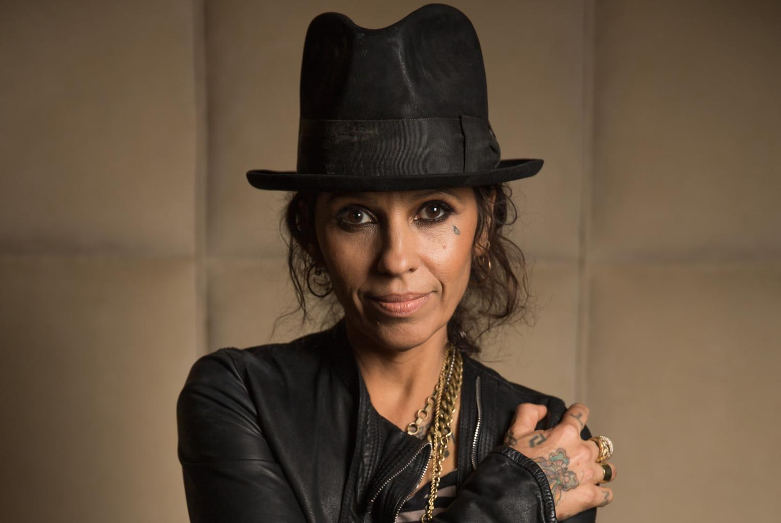 Linda Perry Net Worth - Richest Celebrities 2016
