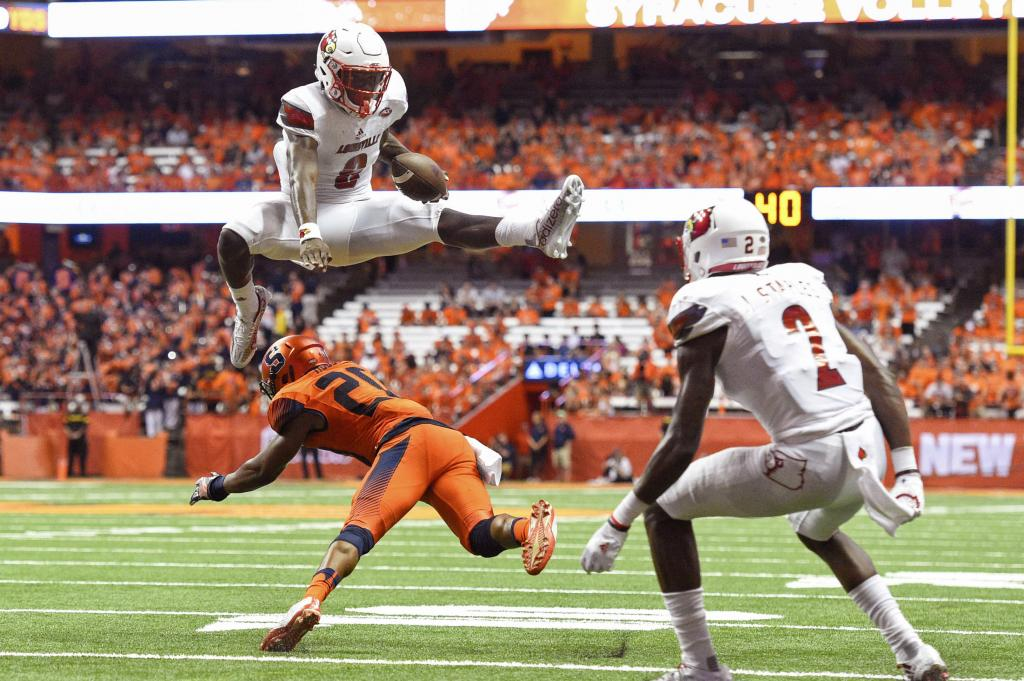 Louisville QB Lamar Jackson Leaps Over Defender For 5th Touchdown Of