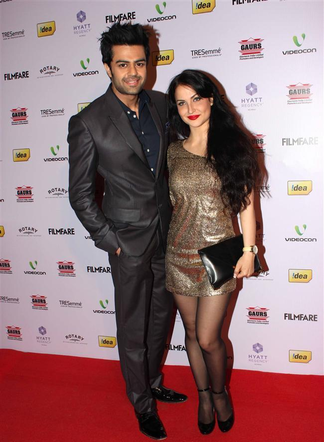 Manish Paul With His Wife Sanyukta Paul At The Filmfare Awards