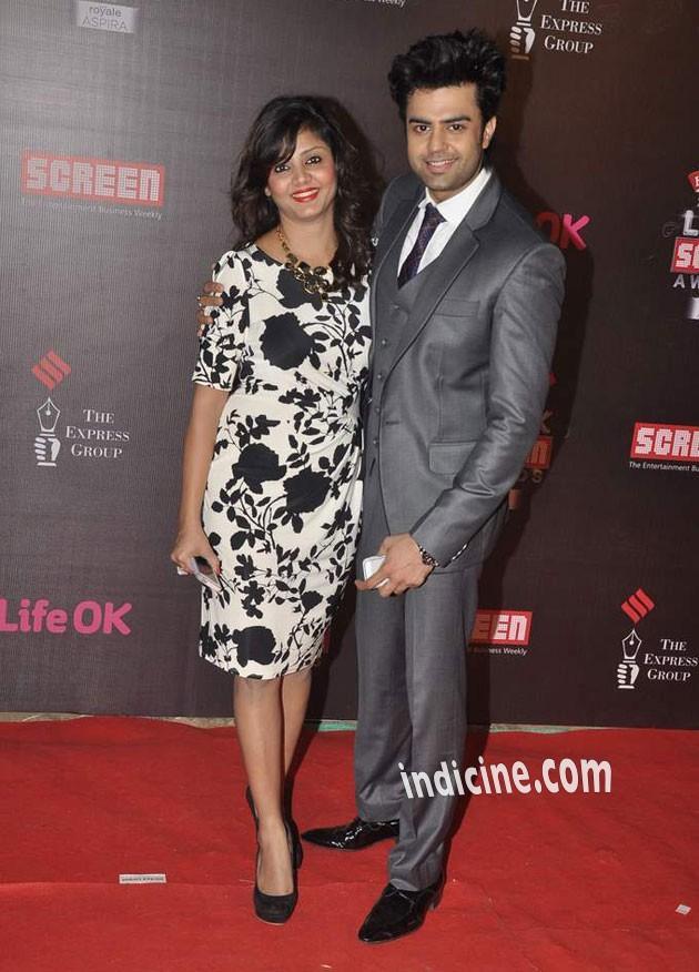 Manish-Paul-with-his-wife-Sanyukta-Paul.jpg