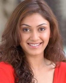 Manjari Phadnis Biography, Wiki, DOB, Family, Profile, Movies