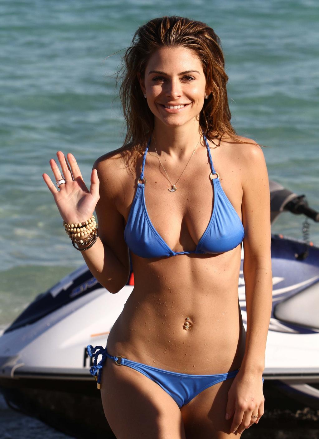 Maria Menounos' Sexiest Bikini Looks - Maria Menounos Bikini - 4